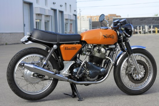 1971 Norton Commando 750 R Side