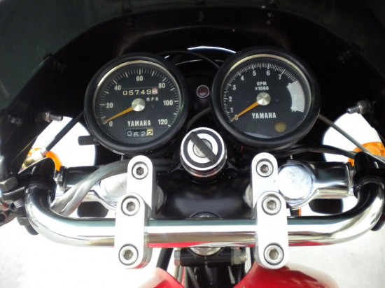 1971 Yamaha R5B Clocks