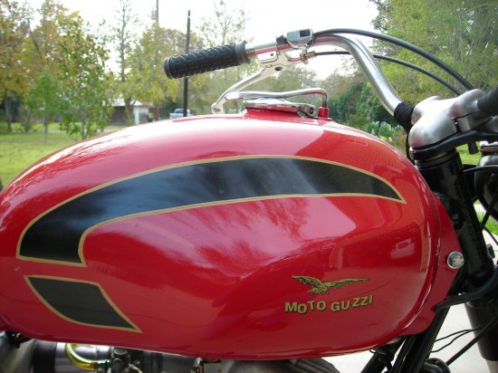 1966 Moto Guzzi 125 Sport Tank Close