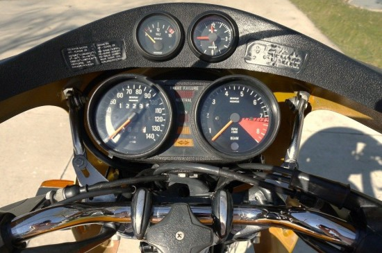 1975 BMW R90S Gauges 2