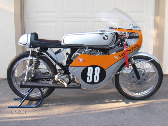 1964 Honda CB175 Roadracer R Side