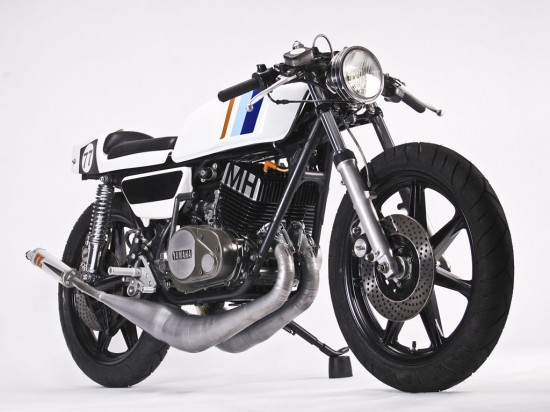 Super-Clean Custom: 1977 Yamaha RD400 for Sale – Classic Sport Bikes