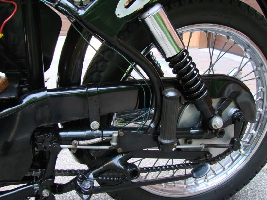 1939 Velocette KSS Special R Rear Suspension