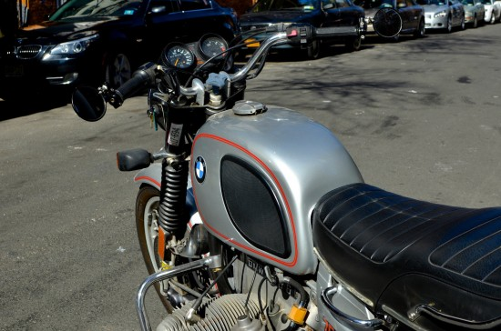 1975 BMW R75 L Side Cockpit