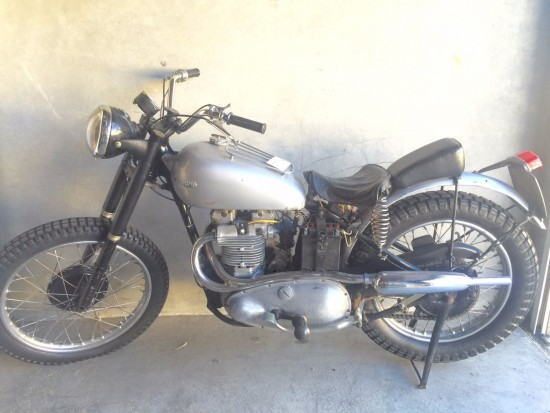 1949 Triumph Trophy 500 L Side